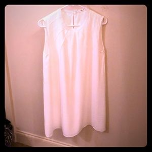 White dress like new from boutique
